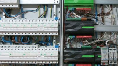 Inteligentné elektroinštalácie založené na KNX systéme – Loxone, ABB ...